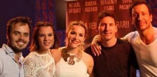 Lionel Messi junto al elenco de la obra que protagoniza Nico Vázquez