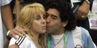 Claudia Villafañe fue sobreseída en la causa de los 458 objetos de Diego Maradona.