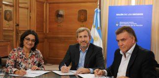 Firma convenio para construcción de viviendas en Catamarca