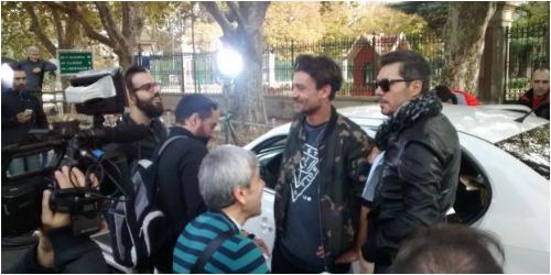 Marcelo Tinelli preparando la apertura de ShowMatch con varias personalidades del medio.