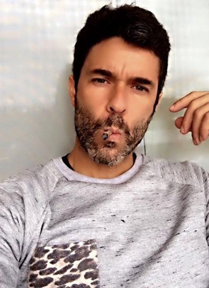 Mariano Martínez y una foto que generó polémica en las redes sociales.