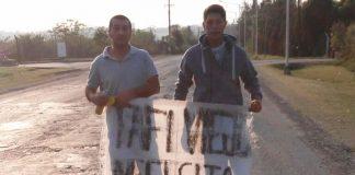 caritas-tristes-sobre-el-pavimento-en-Tafi-Viejo