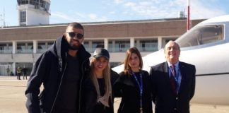 En un vuelo privado, llegaron al casamiento del año, Shakira y Piqué.
