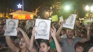 Los-saqueos-de-2013-a-causa-del-paro-policial-generaron-protestas-callejeras