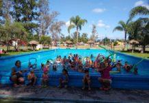 Escuela-de-Verano-en-Alberdi-natación