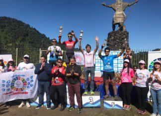 Ariel-García-en-la-premiación-Trepada-al-Indio-2019