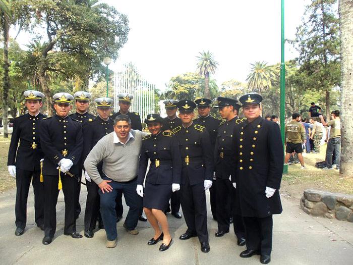 Gustavo-Villagra-y-alumnos-ingresados