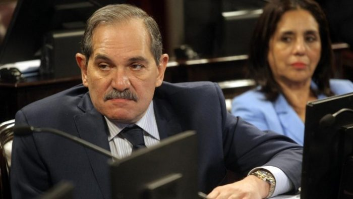 Alperovich preocupado en el senado